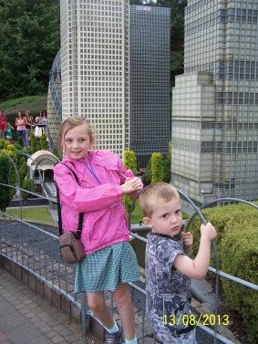 Frankie & Oscar @ Legoland (4)